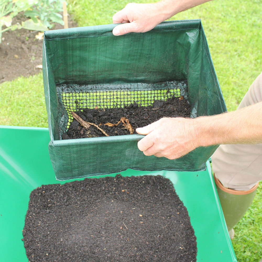 Easy riddle sieving soil tool haxnicks for Rich soil definition
