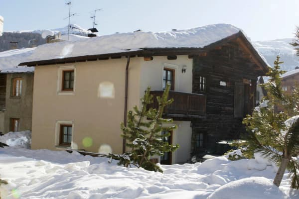 Livigno Ski Apartments,Copper Face Jacks Ski Trip