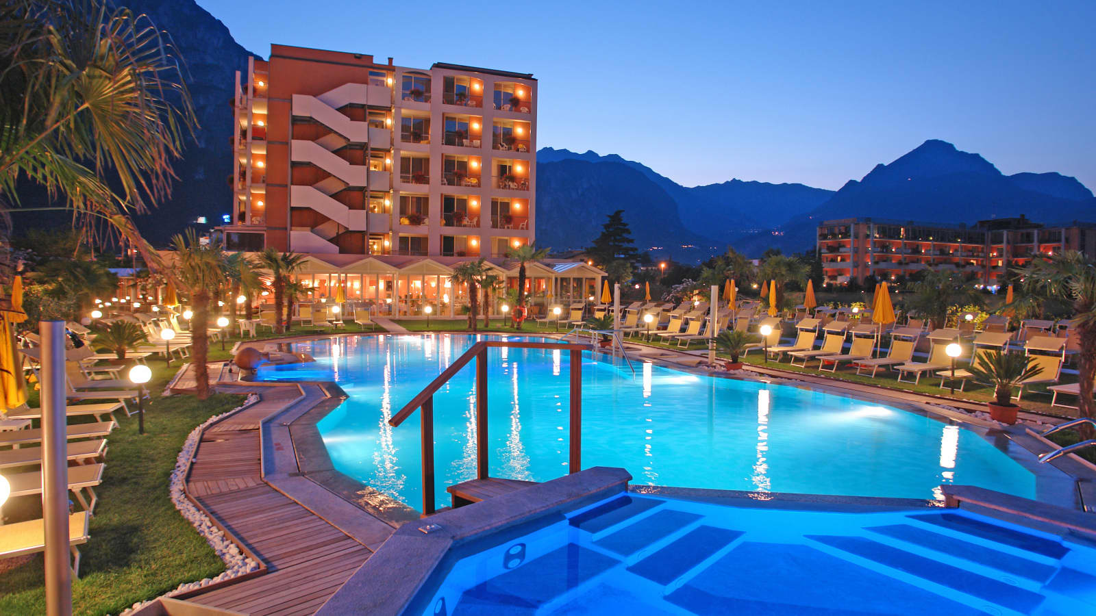 Hotel Savoy Palace In Riva