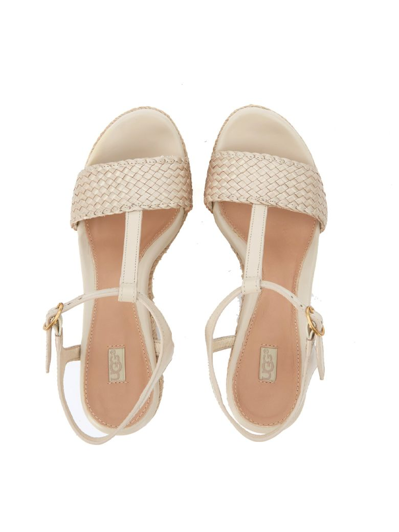 UGG Fitchie Golden Leather Wedge Sandal in Oro