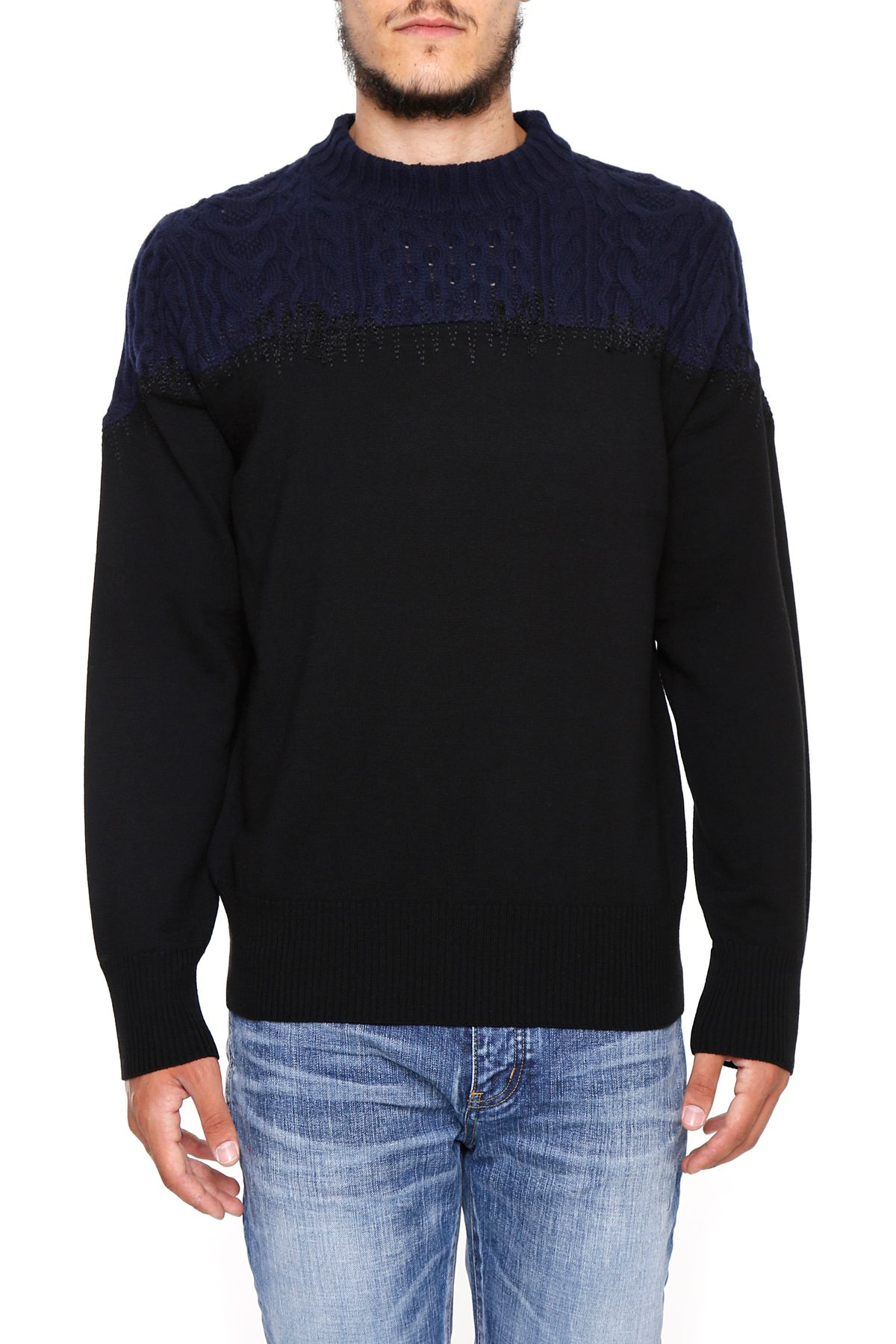 Pullover With Zig Zag Embroidery