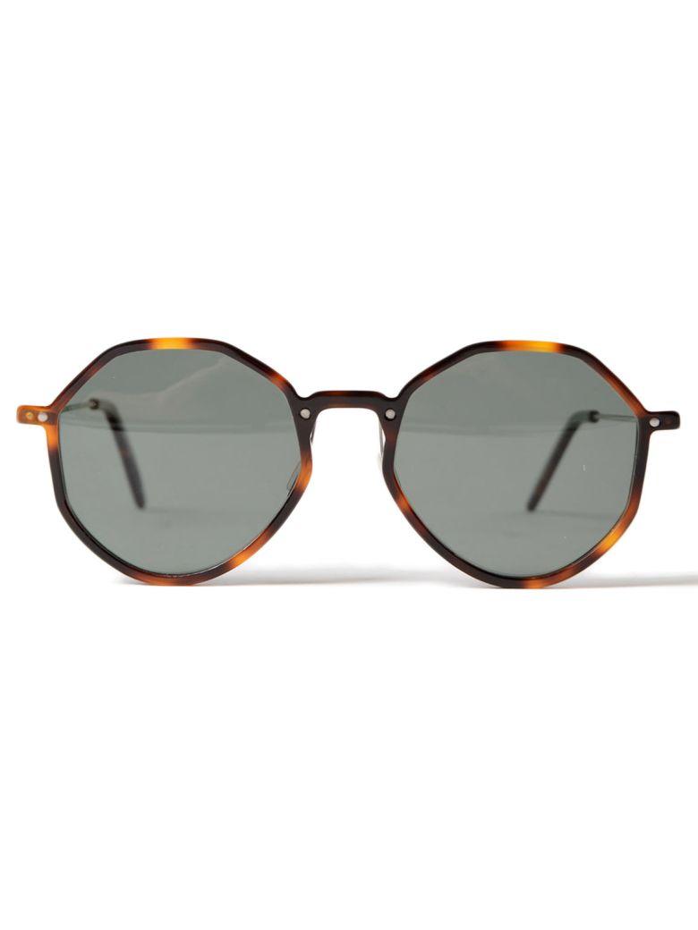 DELIRIOUS Round Frame Sunglasses in Havana