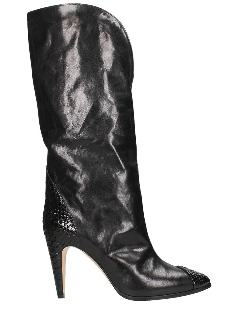 POINTED-TOE BOOTS