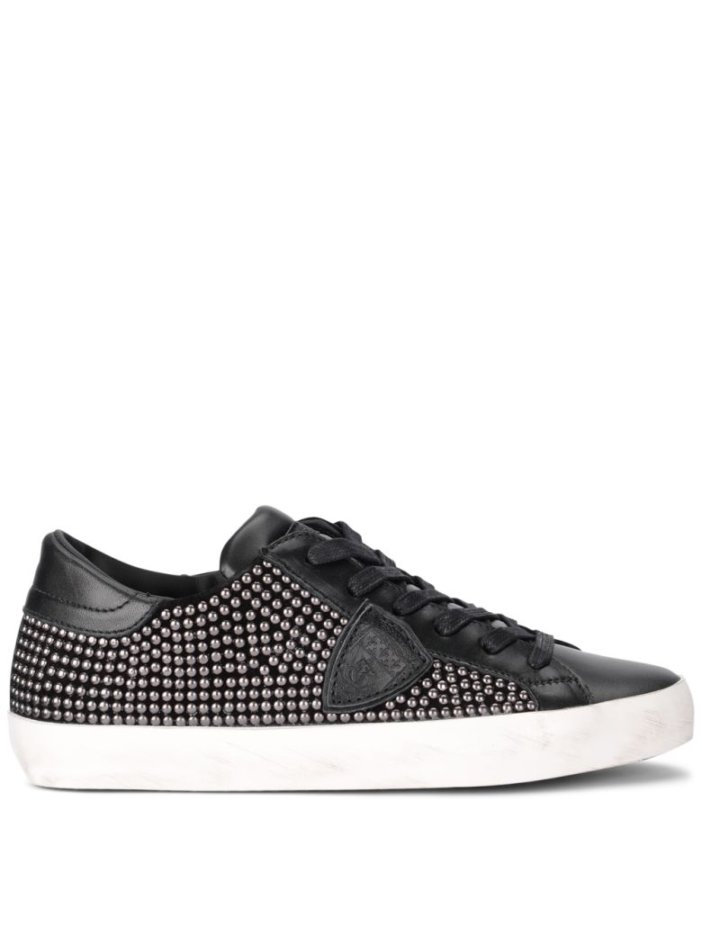PARIS BLACK LEATHER SNEAKER WITH STUDS