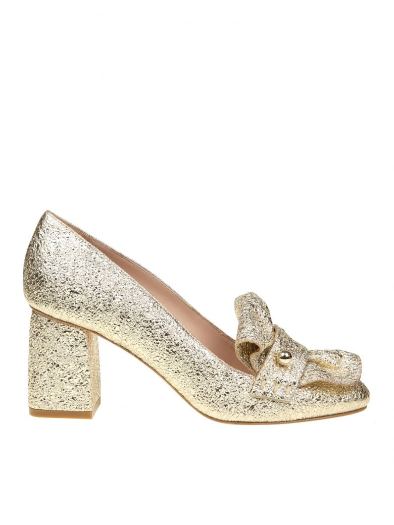 RED VALENTINO PLATINUM SCALLOPED METALLIC LEATHER LOAFERS