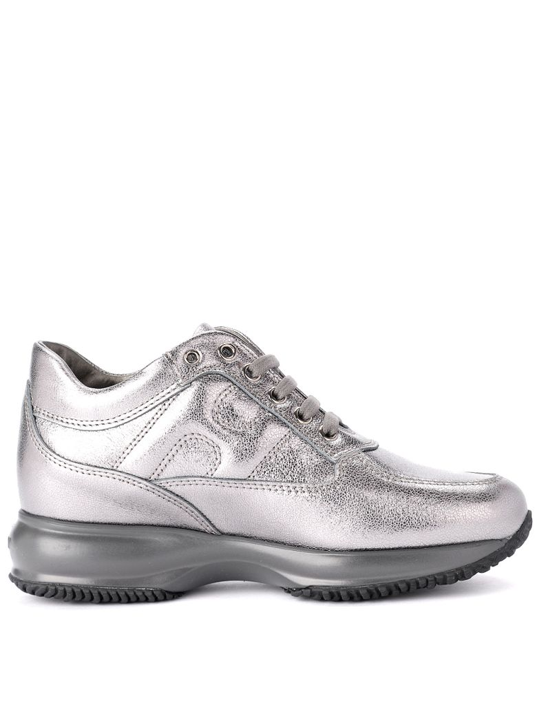MODEL INTERACTIVE SILVER METAL LEATHER SNEAKER