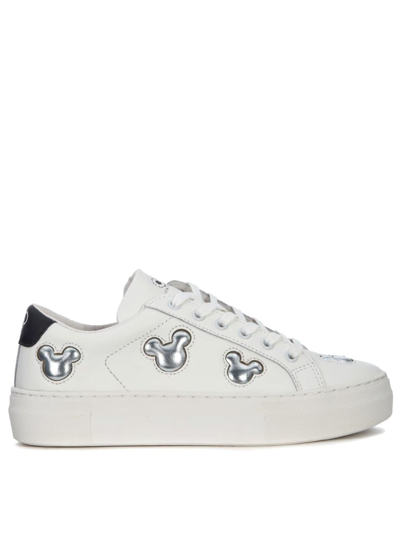 M.O.A. MASTER OF ARTS MOA MICKEY MOUSE SILVER AND WHITE LEATHER SNEAKER