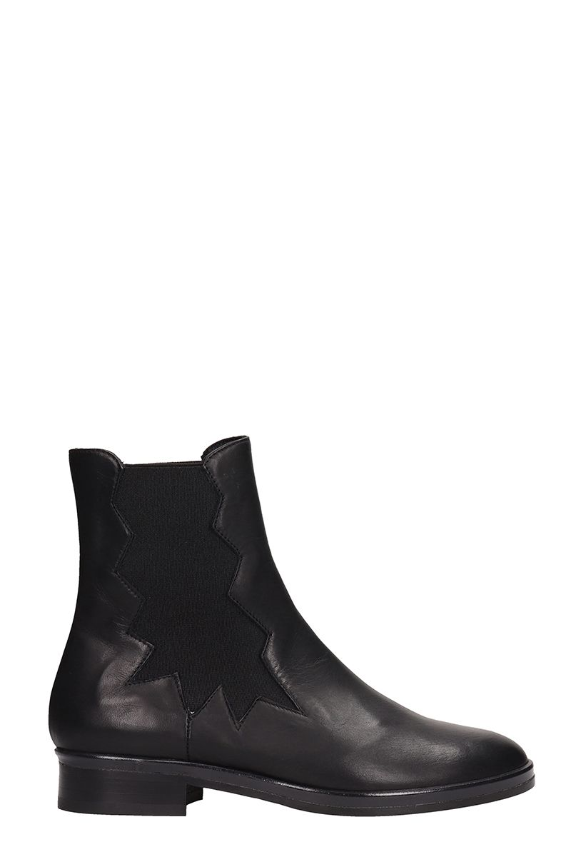 Elasticated Side Panel Boots in Black