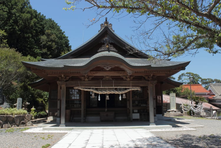 Hitomaro Shrine