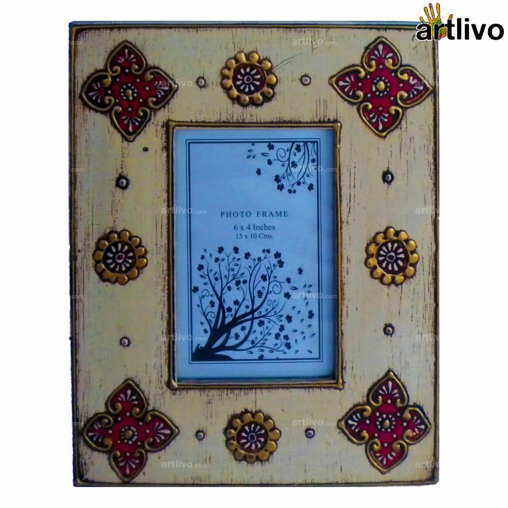 EMBOSSED Ivory Floral Photo Frame