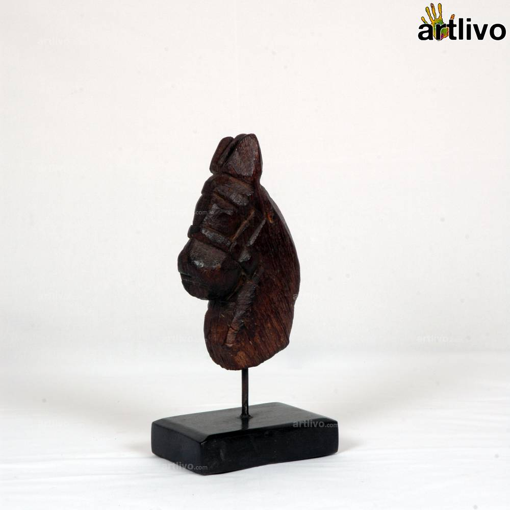 VINTAGE Horse head on a stand - ST018