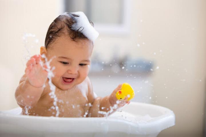 Mùa hè cần lưu ý gì để bảo vệ sức khoẻ của trẻ trong mùa hè nóng nắng này?