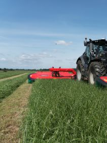 Kverneland 5387 MT - 8.75m triple mower conditioner