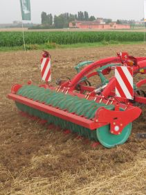 Kverneland CLC ProCut with wide rigid model, made for lang residues as maize sunflower and sugar cane