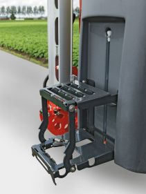 Kverneland iXter A, mounted spray tank, simple but powerfull on field
