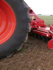Kverneland H series, robus medium sized but effective in most conditions