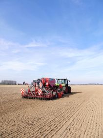 Kverneland, seeding, sowing,