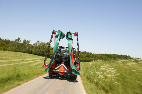 Kverneland 5087 M - 5095 M, compact transportation behind tractor