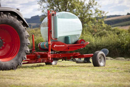 Round Bale Wrappers - Kverneland 7730, made for smaller tractors but still fully atuomatic