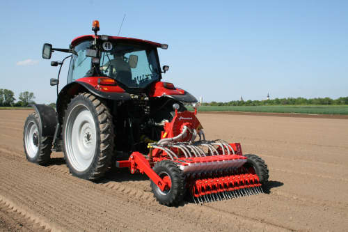Vegetable precision drills - Kverneland Miniair Nova pneumatic precision seed drill for a large variety of natural, coated or pelleted seeds