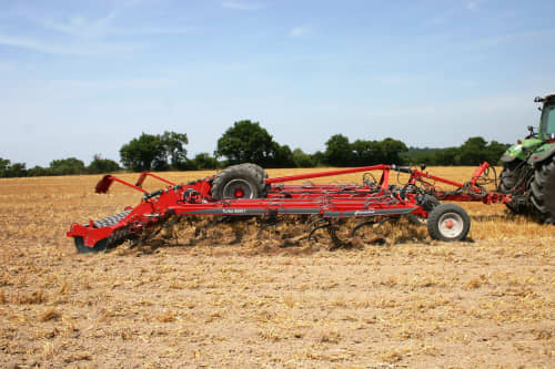 Stubble Cultivators - Kverneland Turbo ploughing nearly all year