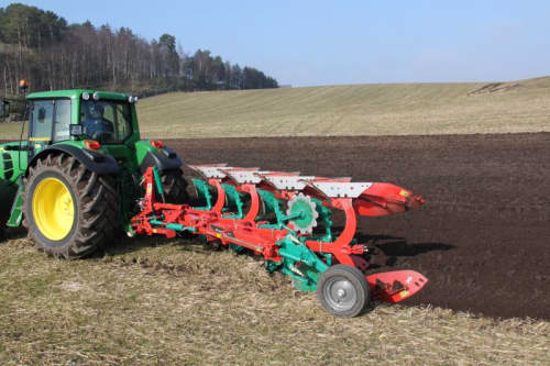 Reversible Mounted Ploughs - Kverneland 150 S Variomat, customized for high performance combined with low fuel consumption