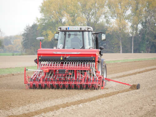 Kverneland mechanical seed drills