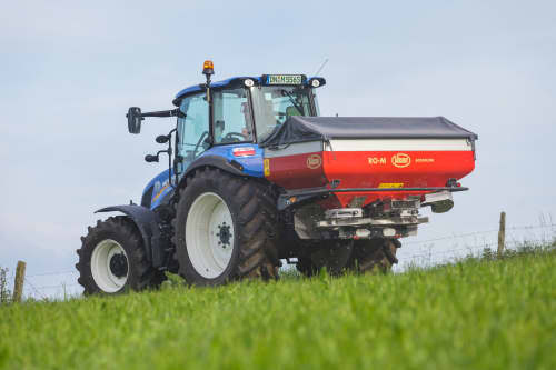 Spreading Equipment - Vicon RotaFlow RO-M, spreader for the medium size segment, also 8 vanes per disc so its operating effectively