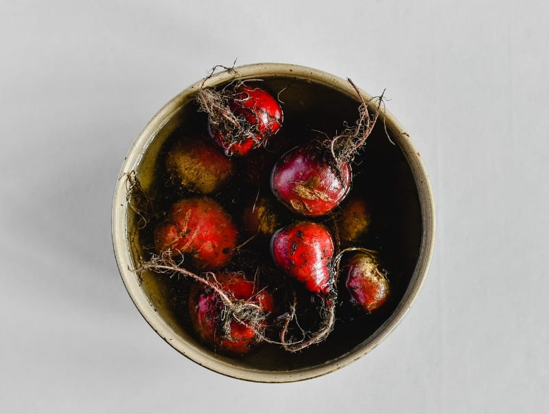 Are red beets genetically modified and are they safe to eat?
