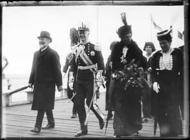 Prime Minister Joseph Cook at the swearing in of Governor-General Ronald Munro-Ferguson as Governor General, 18 May 1914