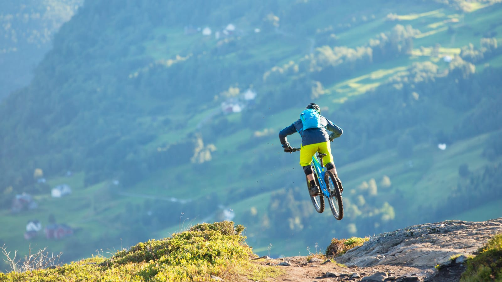 6ee434c6494 ... thrilling, exhausting and tons of fun - just like freeskiing. The  Norrøna fjørå mountain biking concept was born. And as the sport of  mountainbiking ...