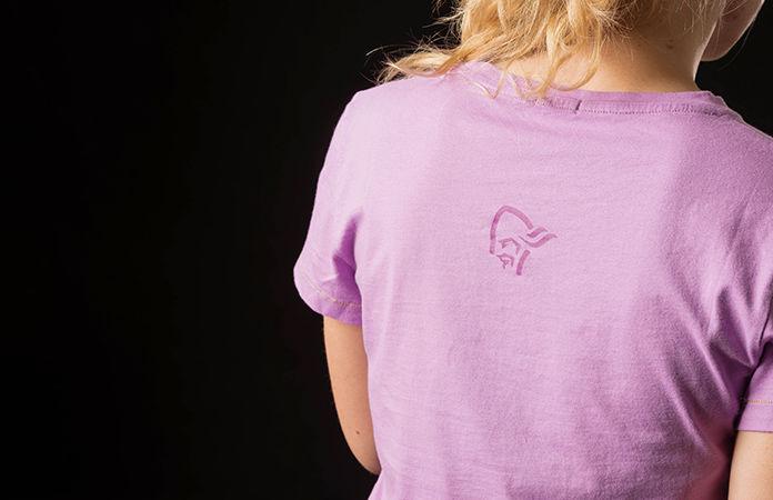 Norrøna t-skjorte i bomull med logo til dame