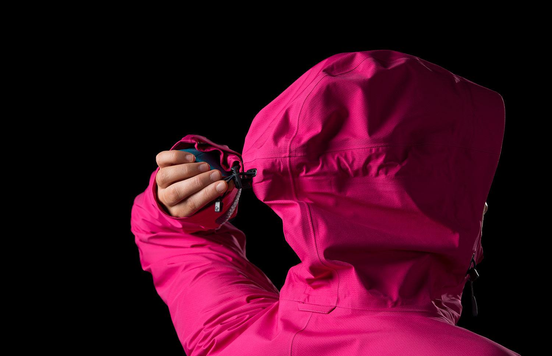 Norrøna falketind gore tex jakke til dame til helårsbruk