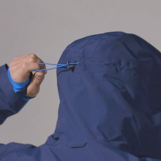 Technical details One-hand hood adjustment