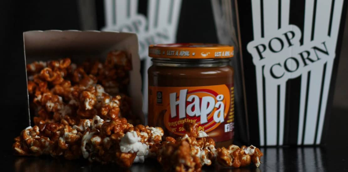HaPå-popkorn er skikkelig deilig snacks og ett av våre fem tips for en ekstra gjennomført filmaften.