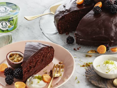 Vegansk sjokoladekake blir ekstra saftig med Q Planti alternativ til rømme
