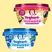 Q Yoghurtmousse med smakene Pasjonsfrukt og Blåbær