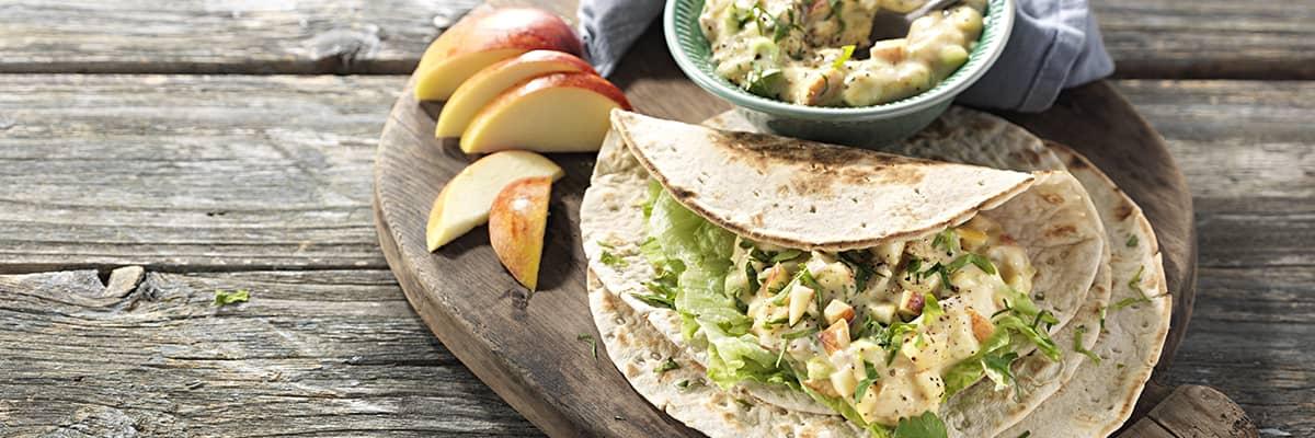 Wrap med krämig kalkon- och äppelsallad