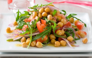 Moroccan Garlic Chickpea Salad