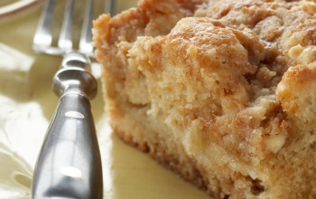 A Simple Apple Cake