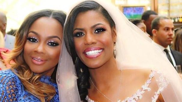 Omarosa Wedding Dress.Phaedra Parks Under Fire For Attending Omarosa S Wedding