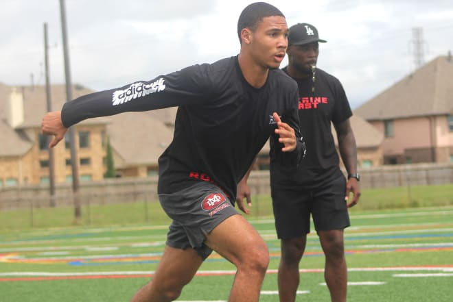 Rivals250 wide receiver Cristian Dixon holds a Michigan offer.