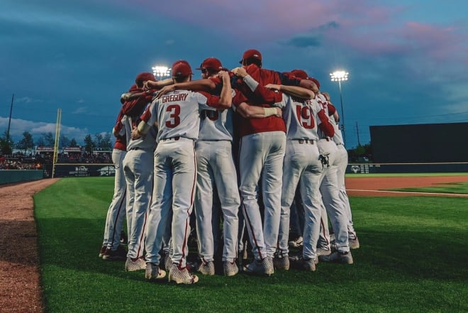 LIVE COMMENTARY: Diamond Hogs vs. Mississippi State (Game 2)