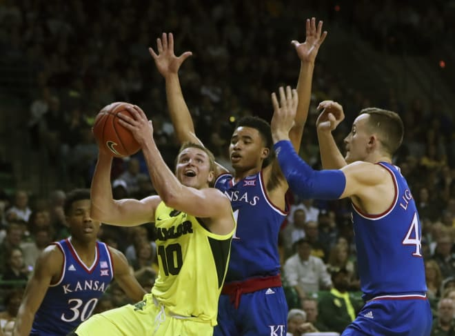 No. 3 Kansas ends No. 1 Baylor's 23-game winning streak