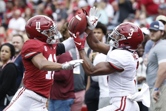 Alabama Crimson Tide defensive back Scooby Carter (11) breaks up a pass during the A-Day game. Photo | Getty Images
