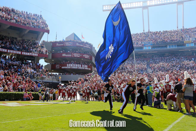 Steve Spurrier Drops Touchdown Pass at South Carolina Spring Game