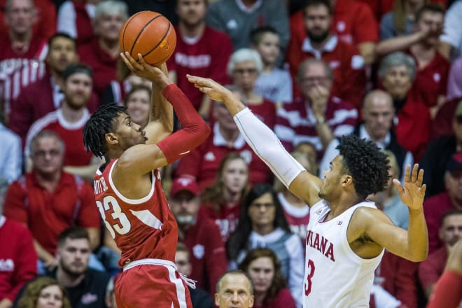 No. 10 Kentucky holds off Arkansas after Calipari ejection