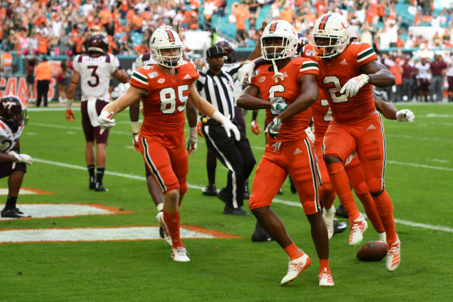 Virginia cornerback (ankle) carted off field against Miami