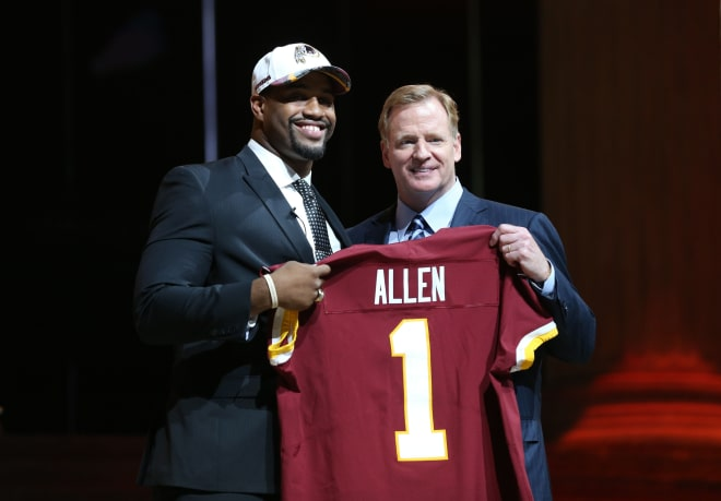 Jonathan Allen (Alabama) poses with NFL commissioner Roger Goodell (right) as he is selected as the number 17 overall pick to the Washington Redskins in the first round the 2017 NFL Draft at the Philadelphia Museum of Art. Mandatory Credit: Bill Streicher-USA TODAY Sports