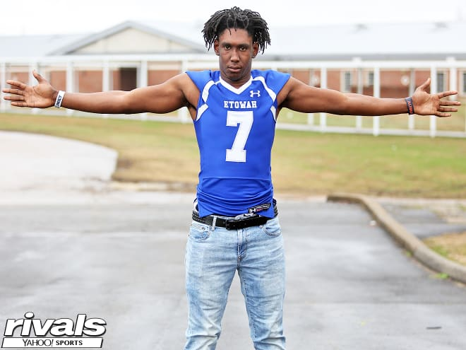 Outside linebacker Jamin Graham committed to Nebraska following his official visit this past weekend.